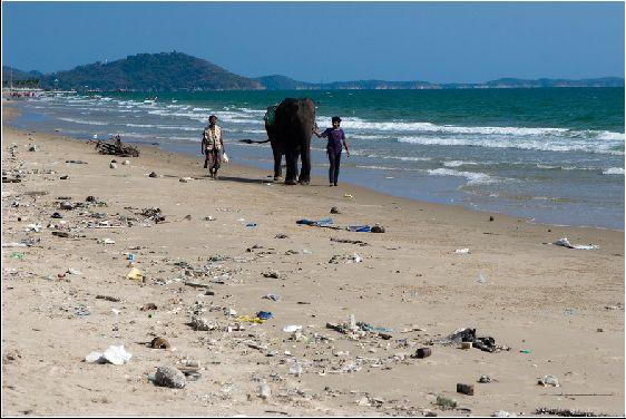 В отличии от других курортов в Паттайе нередко можно встретить грязные пляжи, хотя и хороших тоже хватает