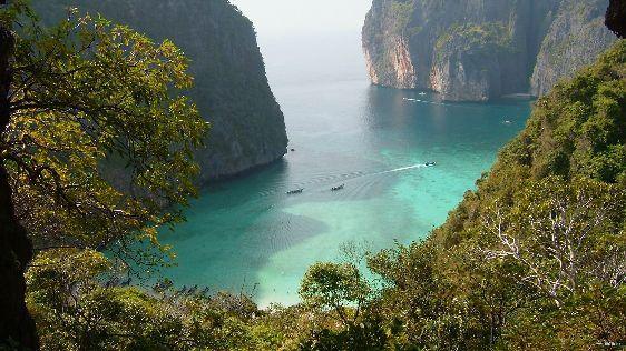 Рядом с Пхукетом есть другие райские места – это Пхи-Пхи, Краби, Симиланские острова и некоторые другие..